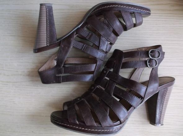 Brązowe sandały 5Th Avenue 37...