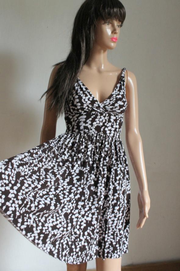 Letnia biało brązowa lejąca sukienka r około S