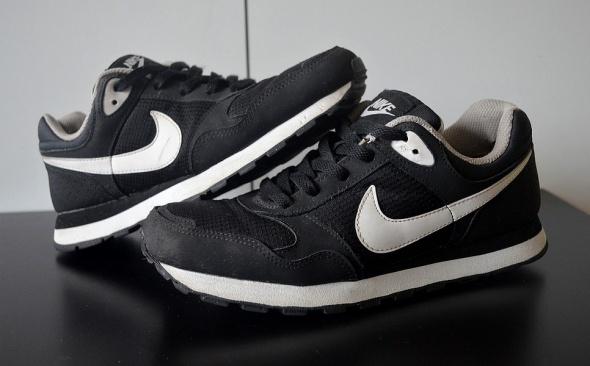 Nike MD Runner buty sportowe 38
