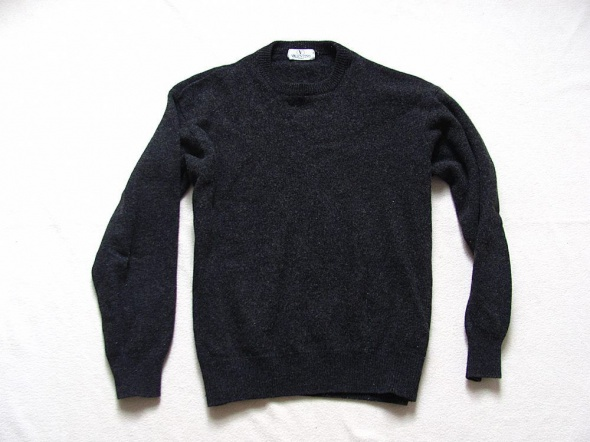 VALENTINO sweter merino wool L XL...