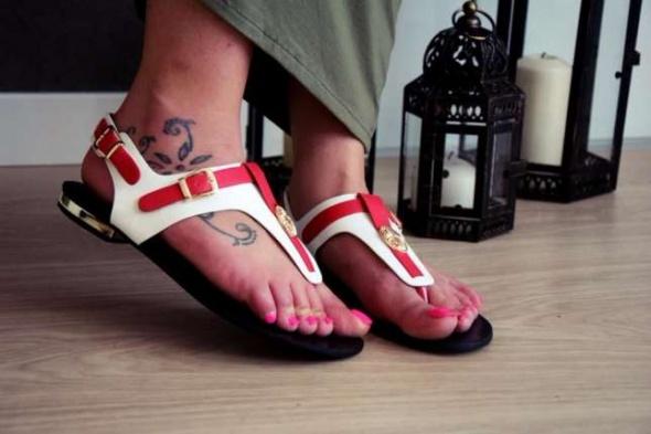 Sandałki luksusowe japonki czerwone białe 36