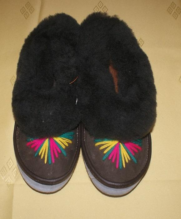 Kapcie pantofle damskie kożuchowe góralskie