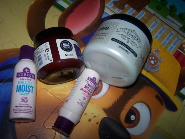Zestaw kosmetyków odżywek i mini szampon do włosów