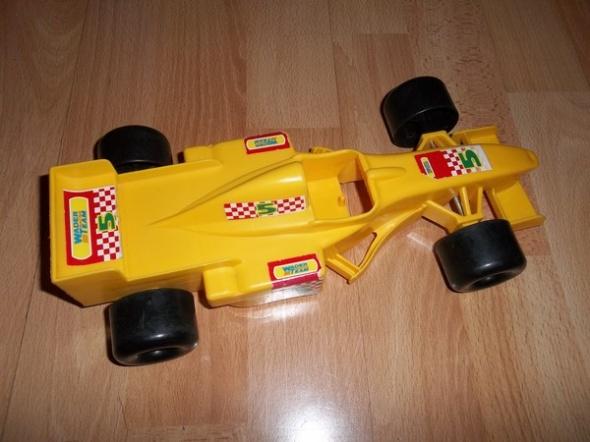 Wyścigówka żółta