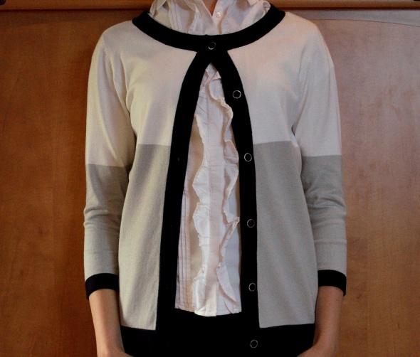 Sweter narzutka elegancka na guziki szaro czarny...