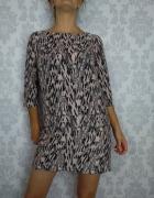 Krótka mini sukienka we wzory prosta trapezowa Mango
