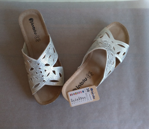 NOWE 38 Inblu białe srebrne klapki