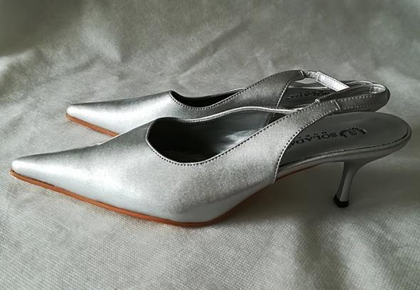 Solada Moda srebrne buty szpic 39