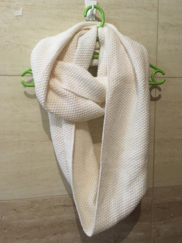 biały szalik reserved nowy...
