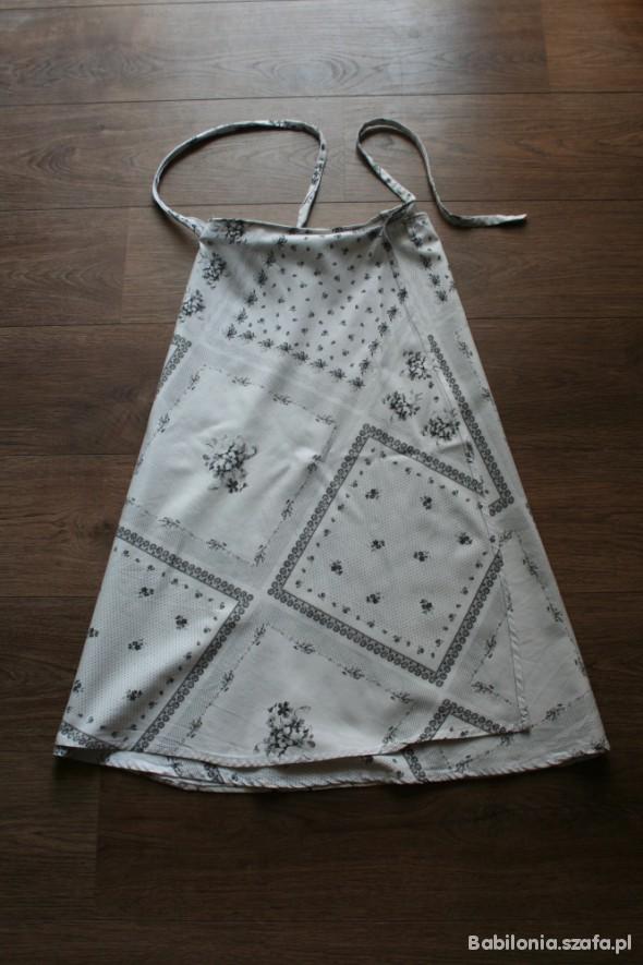 folkowa biała spódnica UNI