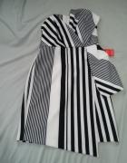 ekstrawagancka sukienka...