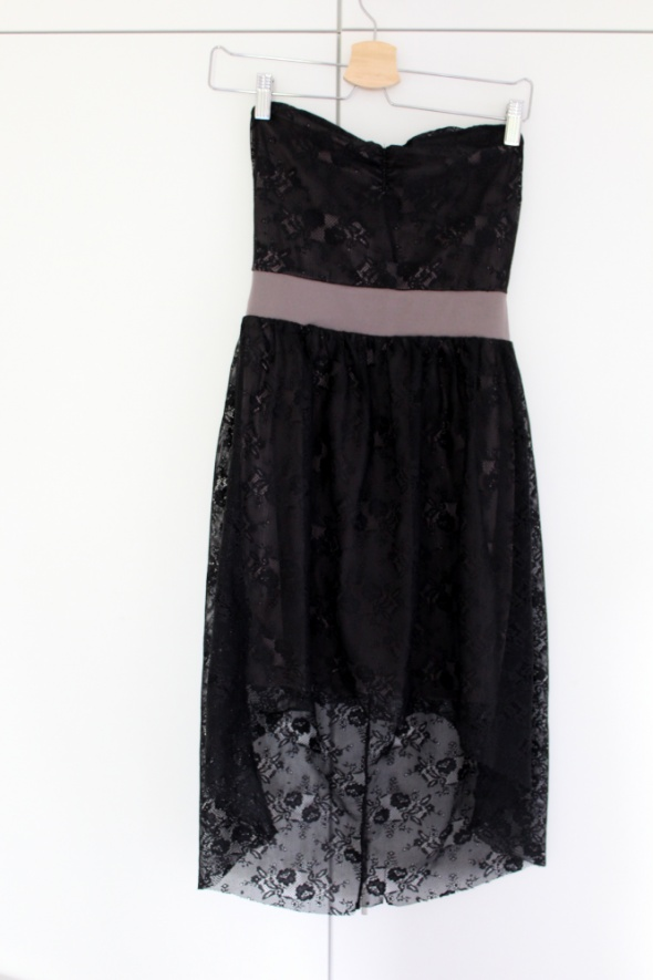 Sukienka S Vero Moda czarna koronka bez ramiączek...