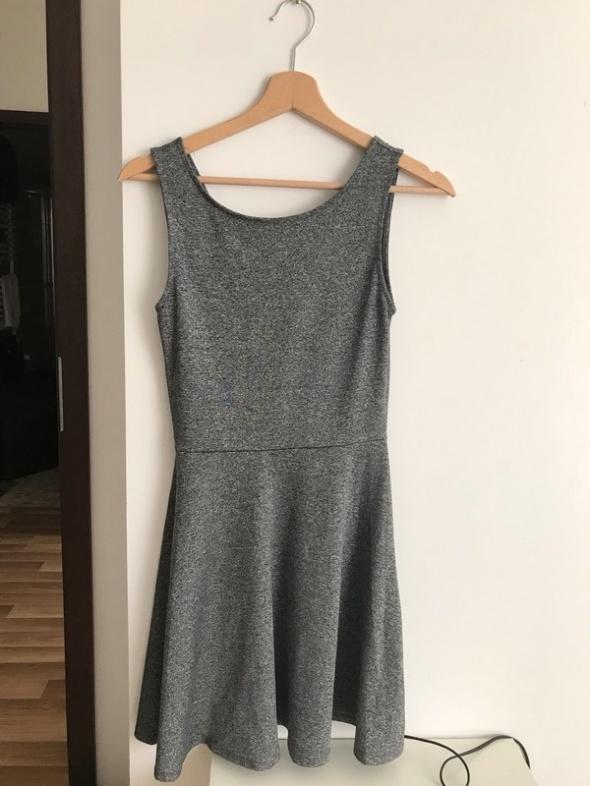 Sukienka H&M odkryte plecy