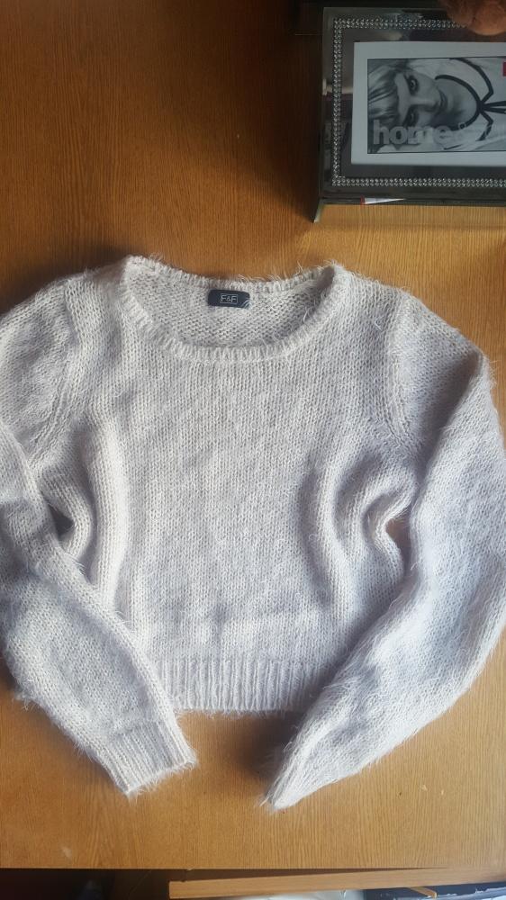 Puchaty sweterek crop top f&f...