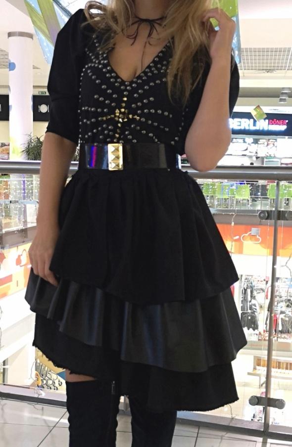 Limitowana sukienka adymetryczna...