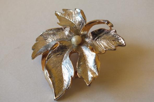 Zapinka do apaszki w kolorze złota