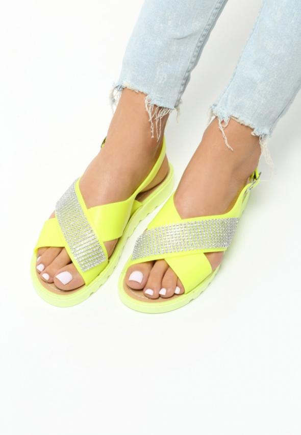Okazja nowe klapki sandałki dżety super kolor