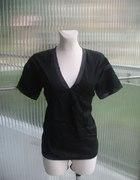 Elegancka i ekologiczna czarna bluzeczka Whyred M...