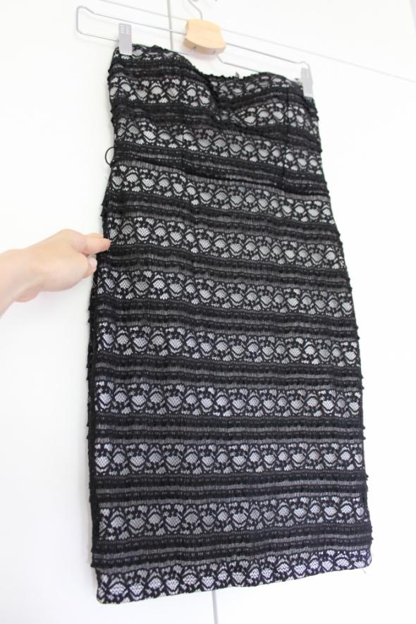 Sukienka koronka Tally Weijl czarno biała krótka