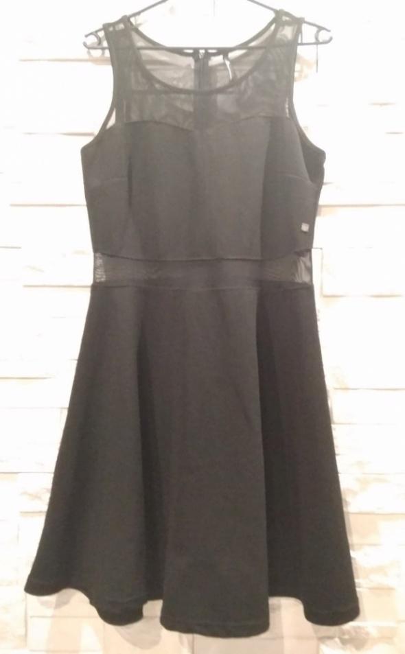 Czarna sukienka siateczka L M