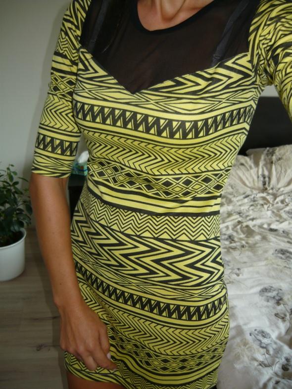 Rewelacyjna sukienka aztec M L