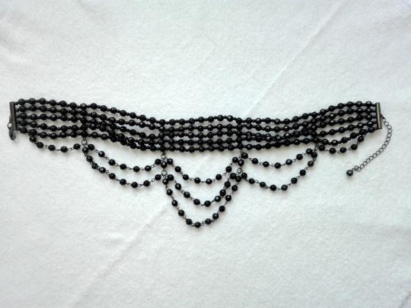Czarna elegancka kolia...