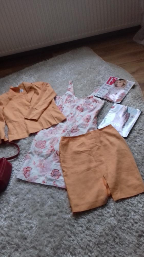 Garsonki i kostiumy Komplet żakiet spódnica Simple Sukienka Twin M