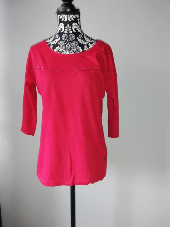 Idealna czerwona bluzka...