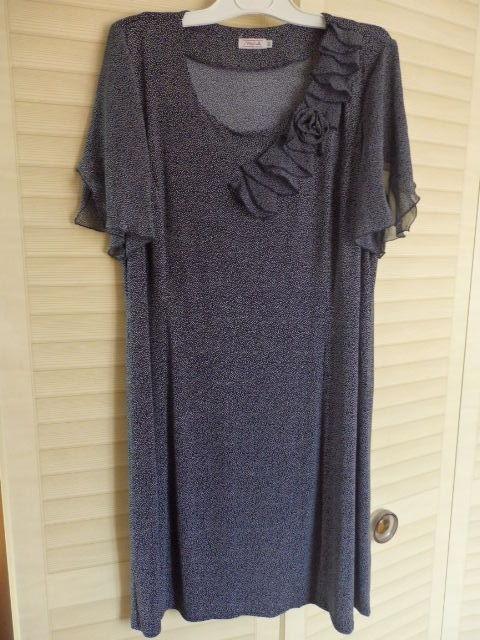 sukienka niebieska nakrapiana