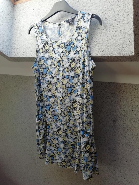 Sukienka w kwiatki kieszenie TANIO...