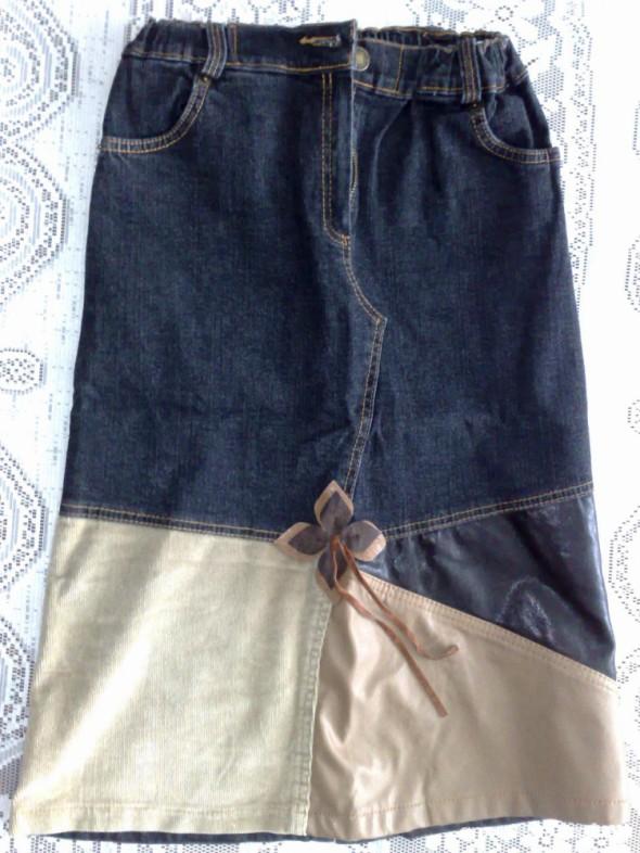 Sukienki i spódniczki Spódniczka dżinsowa z ciekawymi wstawkami