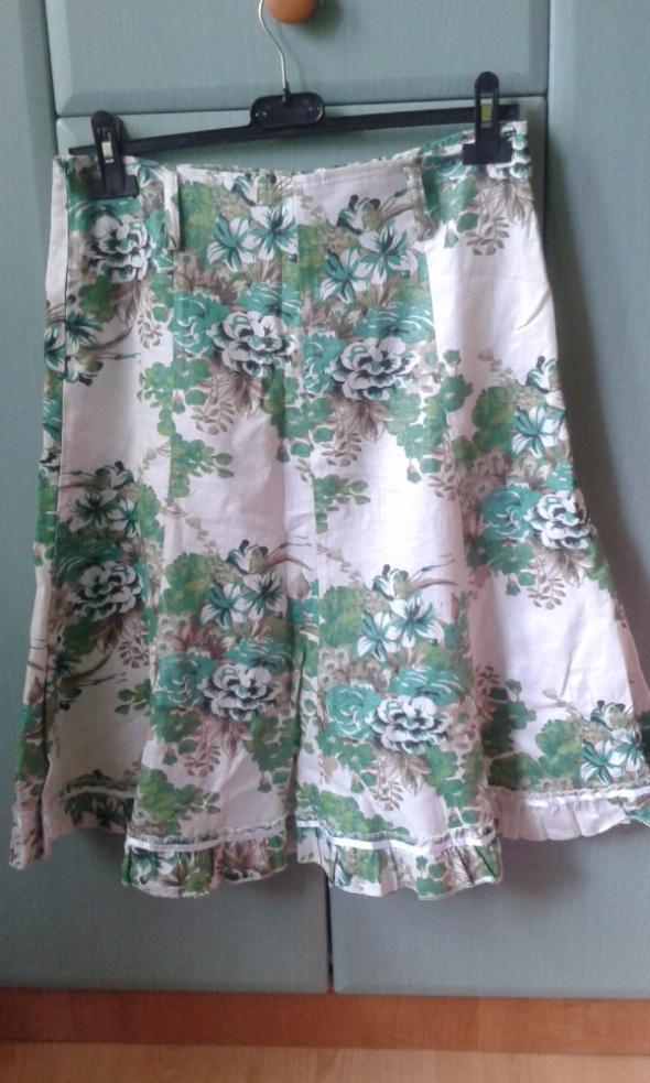 Elegancka spódnica w kwiaty