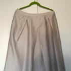 Rozkloszowana spódnica z kieszeniami 16 44