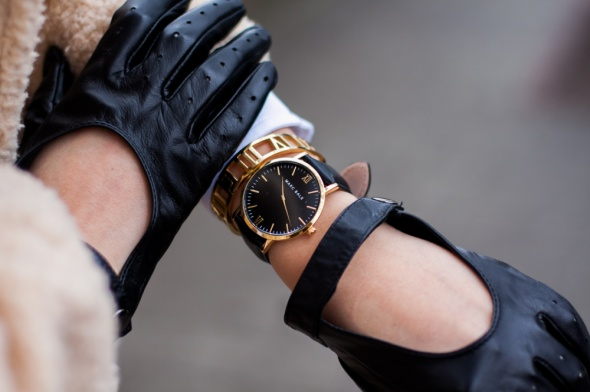 Czarny zegarek Marc Bale i czerwony pasek 2w1...