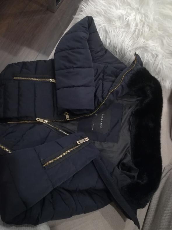 Granatowa kurtka puchowa Zara