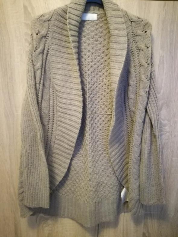 Sweterek narzutka beż