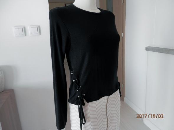 Bluzka Czarna Modne Sznurowanie Blogerek Select 36