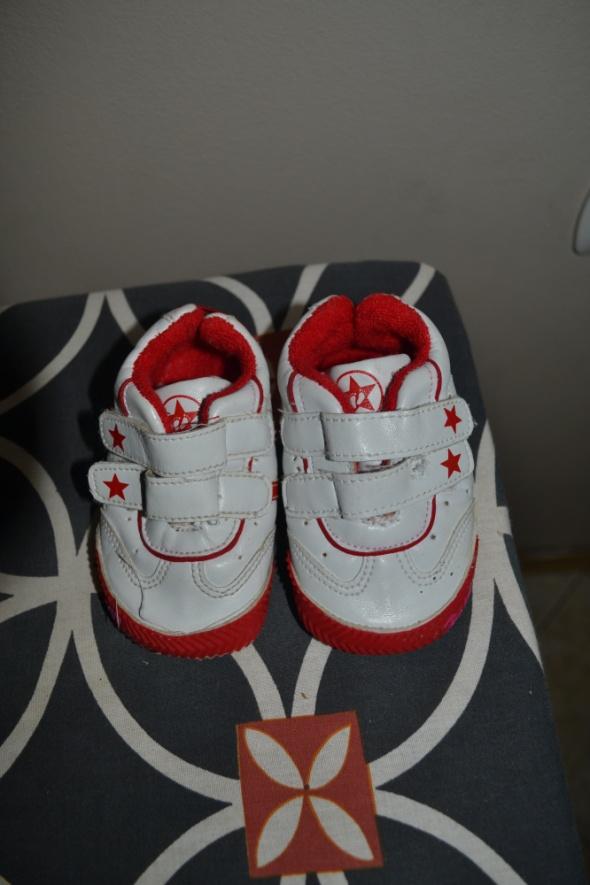 Adidaski biało czerwone 12cm