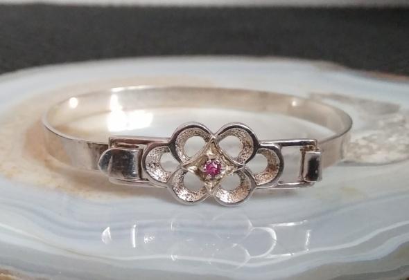 Stara srebrna przedwojenna bransoleta z rubinem