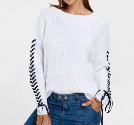 Piękny sweter wiązania