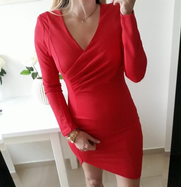Pink boutique sukienka czerwona elegancka dopasowana M