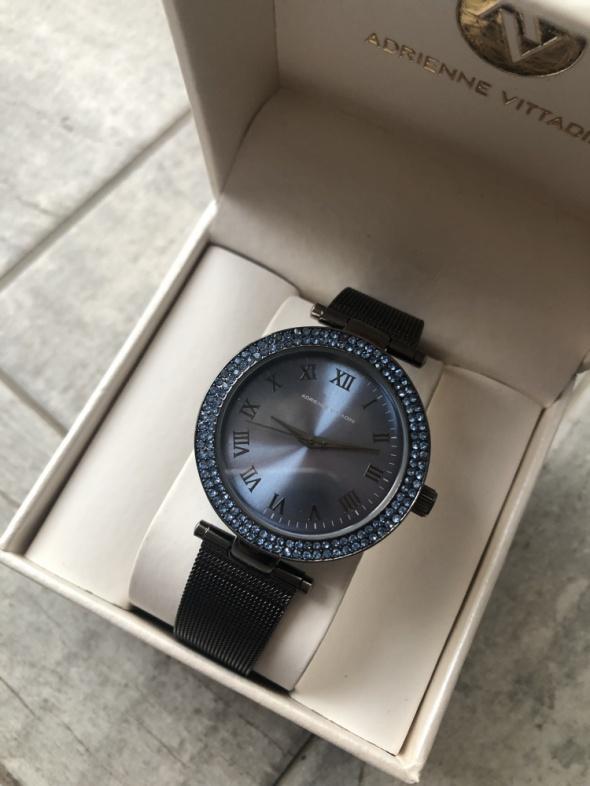 Zegarek Adrienne Vittadini z cyrkoniami