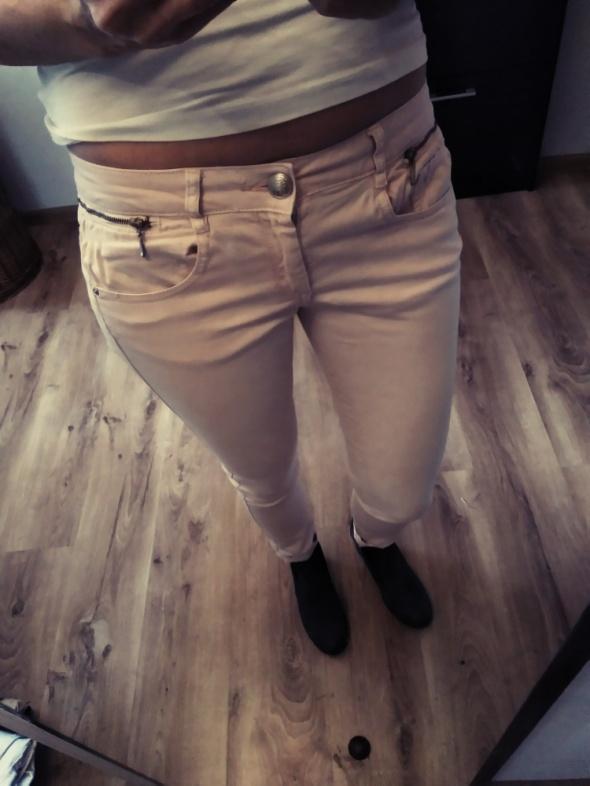 Spodnie bershka biodrowki r 38...
