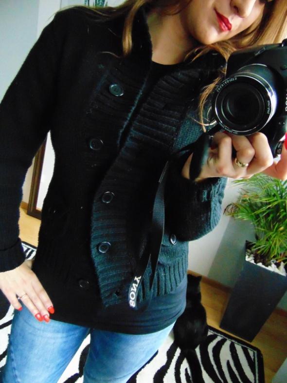 Czarny rozpinany sweter kieszenie Papaya 38 M