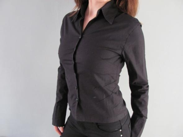 Klasyczna czarna koszula do biura na uczelnię do szkoły