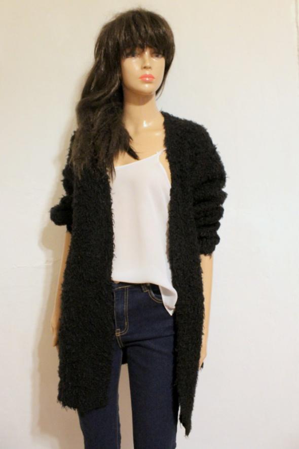 Włochaty dlugi sweter r XL...