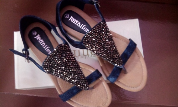 Niebieski dżinsowe sandałki...