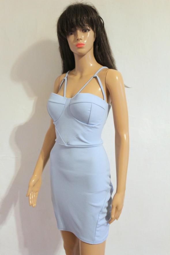 Jasnoniebieska dopasowana sukienka na ramiączkach r około L...