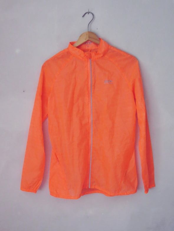 Rażąco pomarańczowa cienka wiatrówka OTP