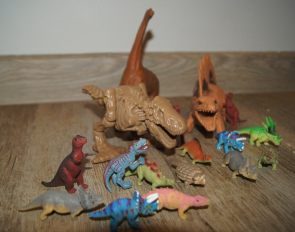 Dinozaury figurki zestaw kolekcja 17 sztuk
